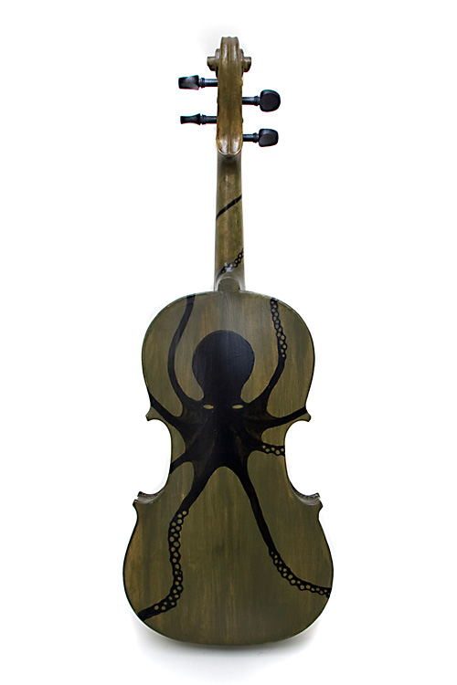 Octave . . . the finished violin